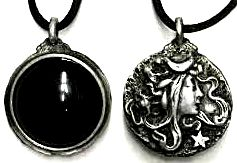 Scrying Goddess Necklace